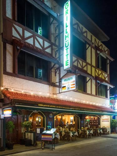 Grillhutte Restaurant & Guesthouse, Pulau Phuket