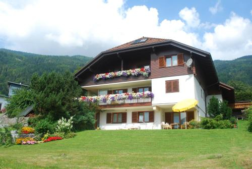 Landhaus Polzl, Feldkirchen