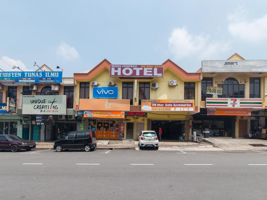 OYO 44072 Mines Cempaka Hotel, Seremban