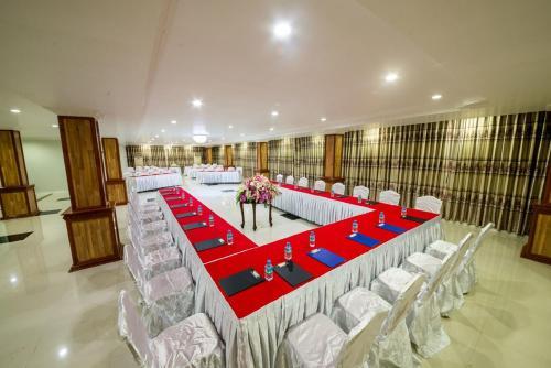 Grade One Hotel, Myawady