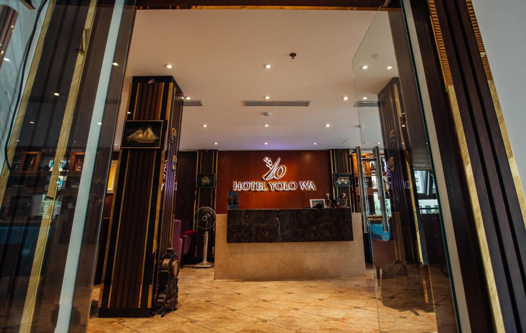 Yolowa hotel, Cầu Giấy