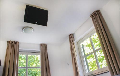 Six-Bedroom Holiday Home in Overloon, Boxmeer