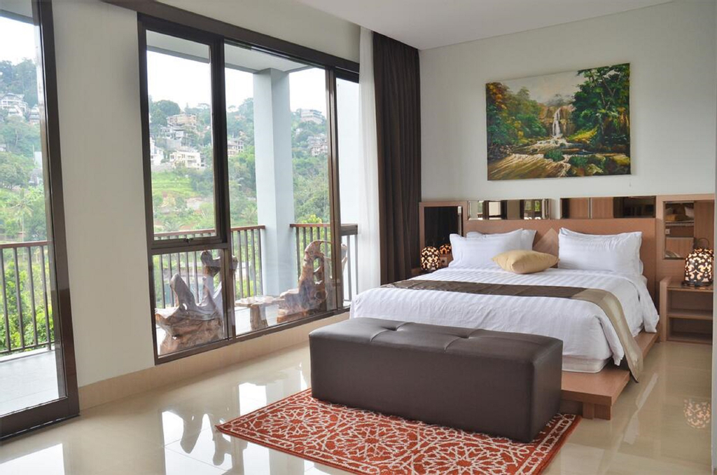 Cempaka 4 villa 6 bedroom, Bandung