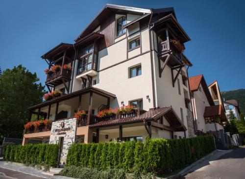 Uphill Residence, Sinaia