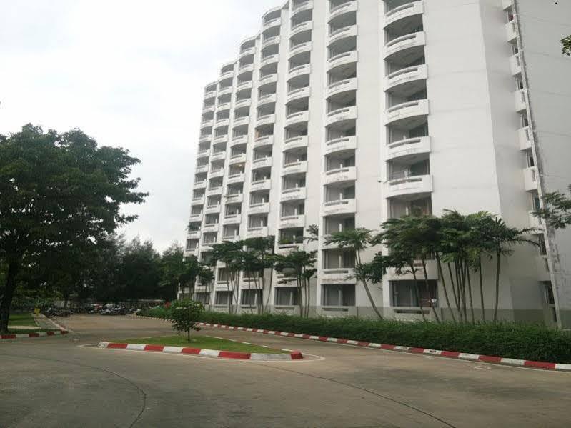 D-Luxx Thammasat Apartment, Khlong Luang