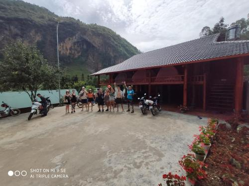 Stilt House, Đồng Văn
