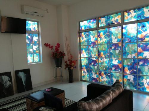 Art Homestay, Pokok Sena