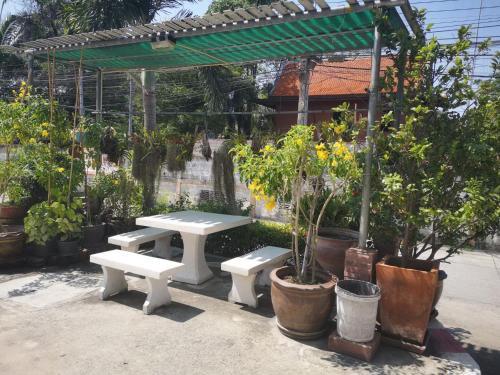 Sab Suwarn Mansion, Muang Suphanburi