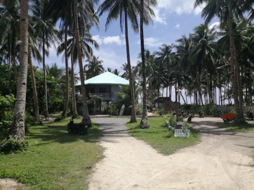 Reef 9 Beach Houses , General Luna