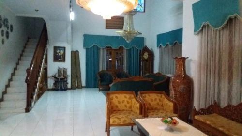 Arcamanik Big Guesthouse, Bandung