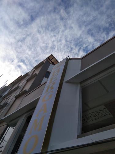 Bergamo Hotel, Lingayen