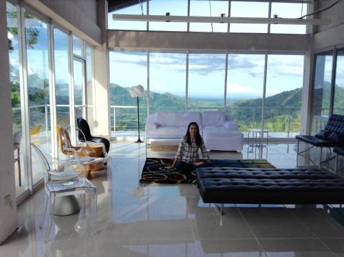 Pineridge Resort, Leon