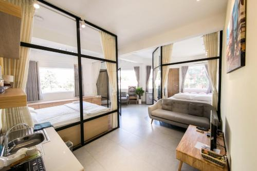 The Wooden Apartments - In the heart of Ben Thanh, Quận 1