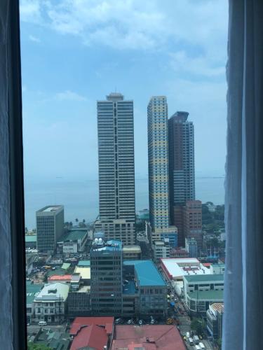 8 Adriatico Tower w/ Manila Bay View, Manila