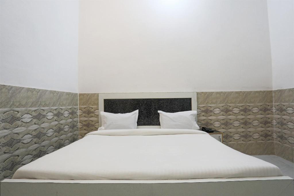 SPOT ON 40156 Mycity Hotel, Meerut