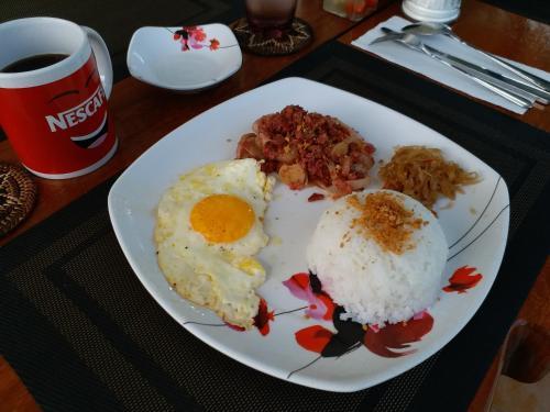 Bev's House Alta, Tagaytay City