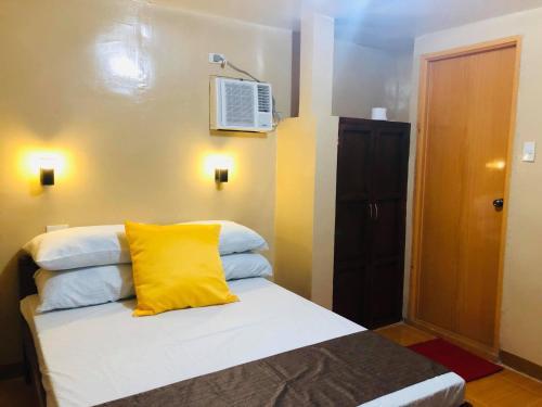 Seaview Beach Resort - Poolside Balcony Room, Guindulman