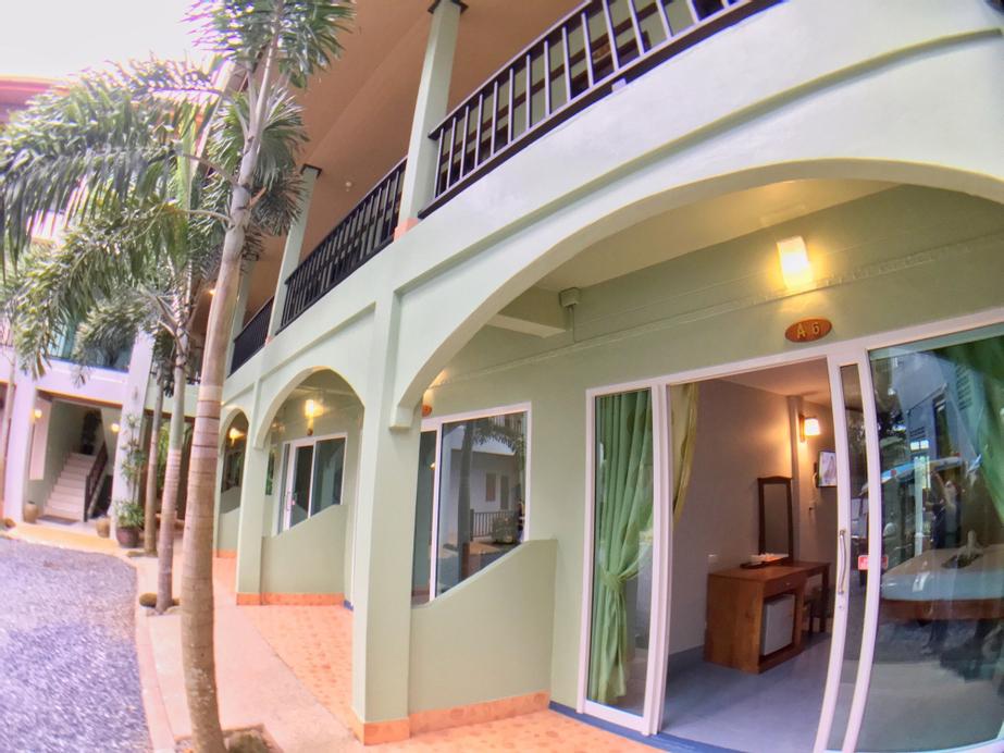 Srichada Hotel Khaolak, Takua Pa