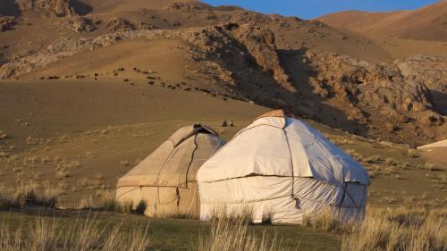 Horseback Holiday at Kyzart village, Jumgal
