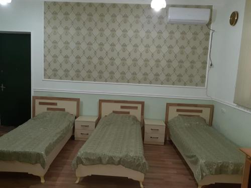 Hostel, Samux