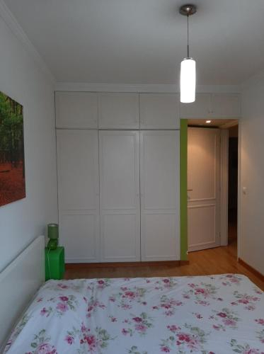 Room Lisbon (next subway), Amadora