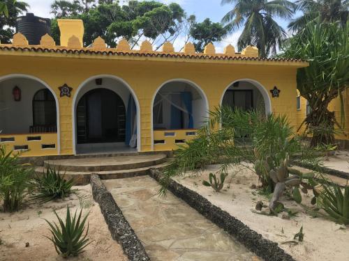 The Coconut Beach Boutique Lodge & Spa, Matuga