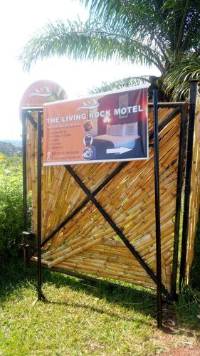 The living Rock Motel, Mawokota