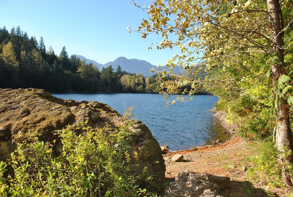 Lake of the Woods Resort, Fraser Valley