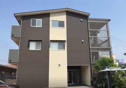 Sentire Izumi Apartment, Izumi