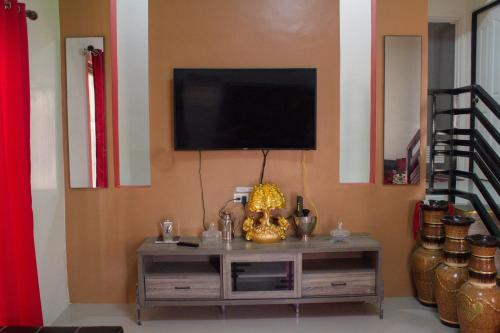 4BR Batangas Houses for Rent w/ Wifi & Netflix, Batangas City