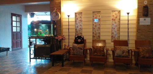 บ้านริมน้ำอยุธยา โฮมสเตย์, Phra Nakhon Si Ayutthaya