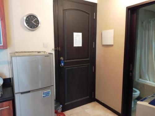 Bellagio Residence Private King Room in Shared 2BR Apartment, Jakarta Selatan