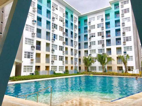 2Br Condo Pool Wifi Netflix, Davao City