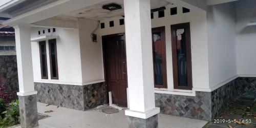 Villa Niis, Purwakarta