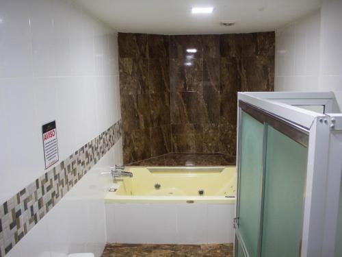 Hotel Gold Premium, Bonao