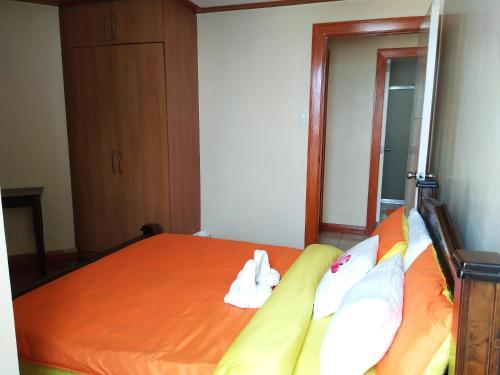 Cozy 2 Bedroom's Robinson's Place Residence, Manila