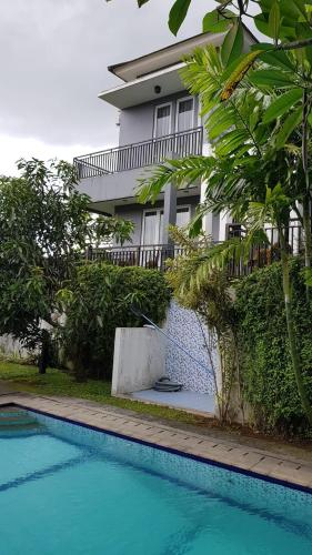 House with Panoramic View@Palm Drive Sentul City, Bogor