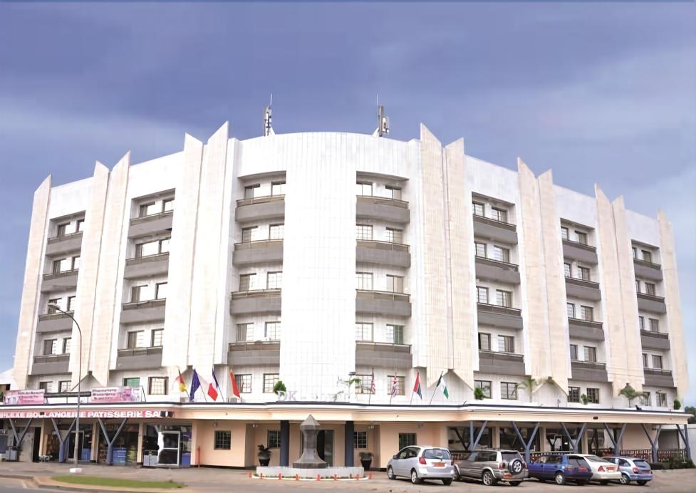 DK Hotel, Wouri
