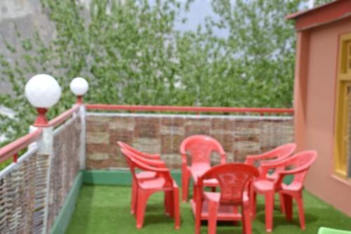 High Cliff Guest House Khaplu, Northern Areas