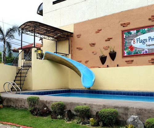 8 Flags Resort Laguna, Los Baños