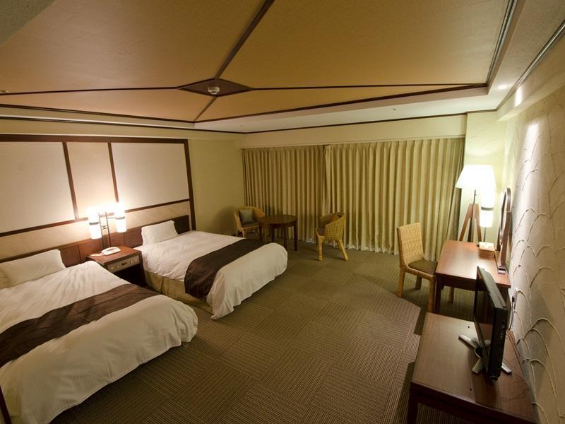 Royal Hotel OKINAWA ZANPAMISAKI, Yomitan
