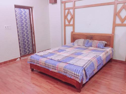 Van Cao Bee house, Hải An