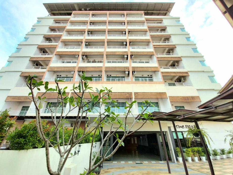 Ampo Residence Hotel, Uthai