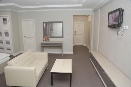 J'STAR HOTEL, Atyrau