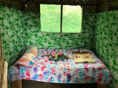 Explotion Tree House, West Tanna