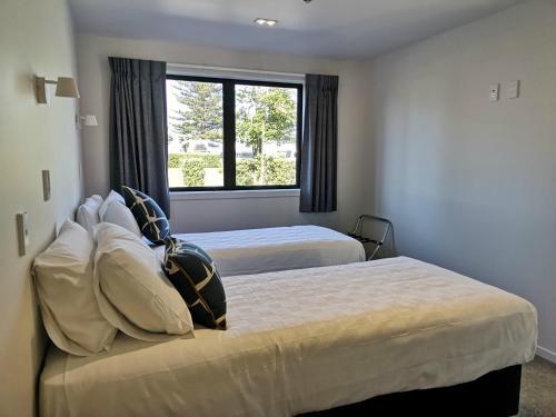 Waikanae Beach Ocean View Apartments, Gisborne