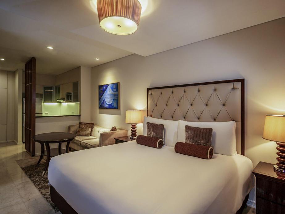 Joy Nostalg  & Suites Manila  Managed by Accor, Pasig City