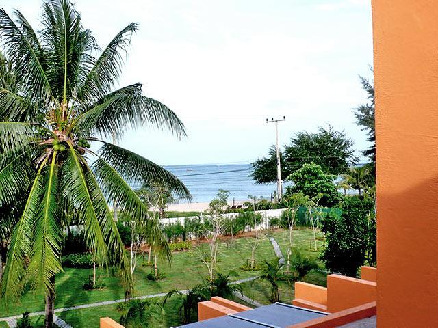 Sunshine Pool Villa, Pran Buri