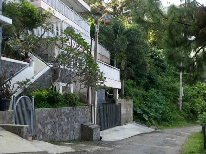 Villa D14, Bandung