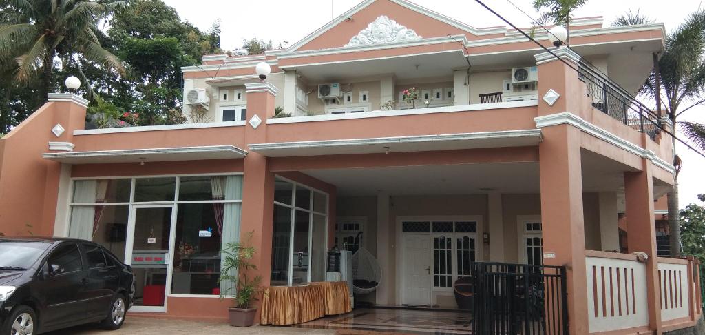 Nadika Guest House, Semarang